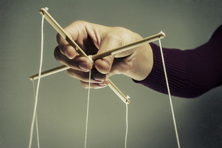 come difendersi dai manipolatori