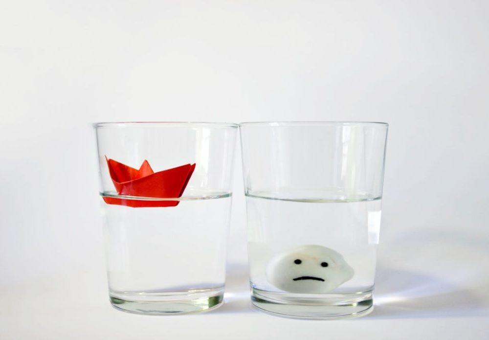 Effetto Framing: le tue decisioni dipendono da se vedi il bicchiere mezzo pieno o mezzo vuoto