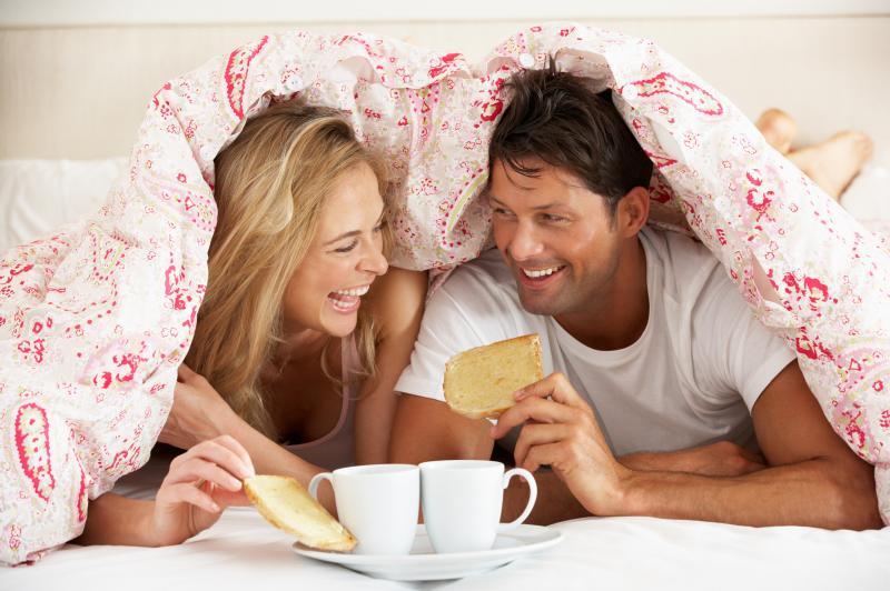 Le coppie felici e stabili tendono a ingrassare, secondo la scienza