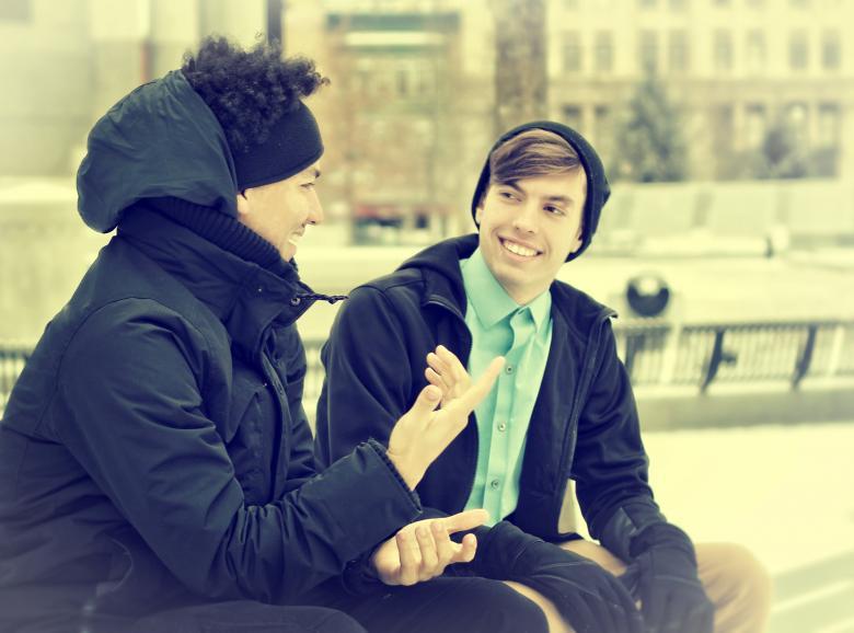 Avere amici intelligenti stimola la nostra intelligenza