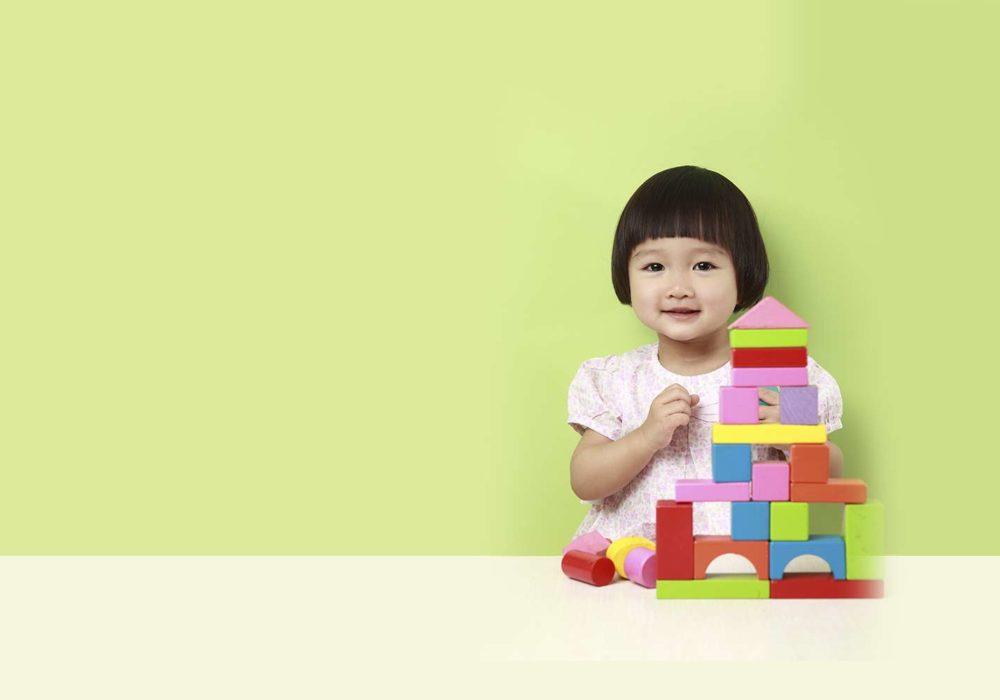 7 giochi Montessori per bambini piccoli