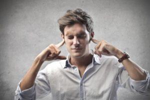Quando l'autocritica è eccessiva: 10 segnali che ti stai danneggiando