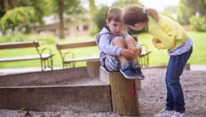 Costringere i bambini a chiedere scusa senza che si pentano fa più male che bene