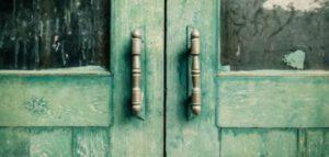 Chiudi le porte, ma non sbatterle