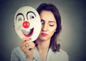 Identità nascoste: il costo emotivo di nascondere chi sei